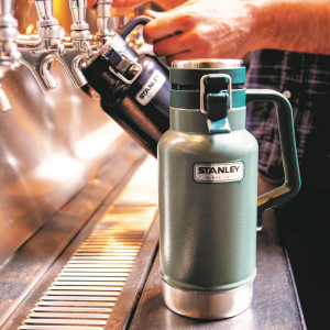 stanley-classic-vacuum-insulated-beer-grumbler-half-growler-32oz-green_pt03-thumb